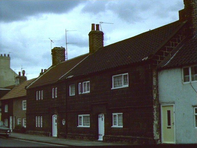 2139theyeomanscottages1980c