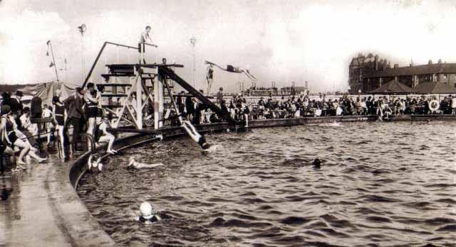1438swimmingpool.jpg