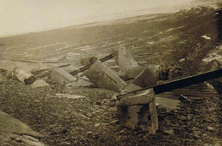 1816seagulls hutremainsafterstorm.jpg