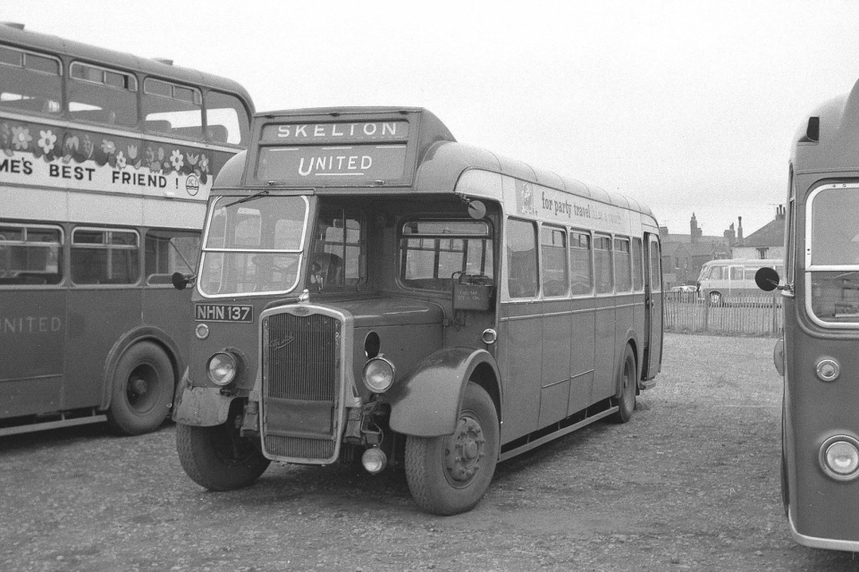 0108EBay United Bus  in Fishermans Square.S kelton Service NHN137.jpg