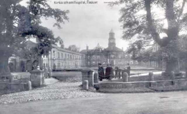 0198kirkleathamhospitalalmshouses 1905