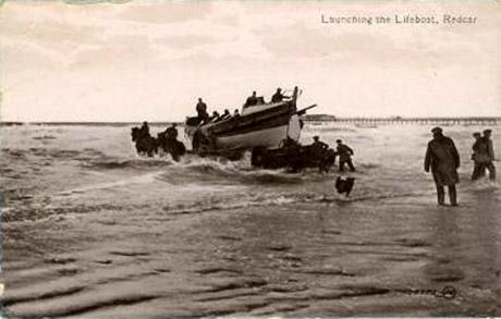 0274lauchingoflifeboat.jpg