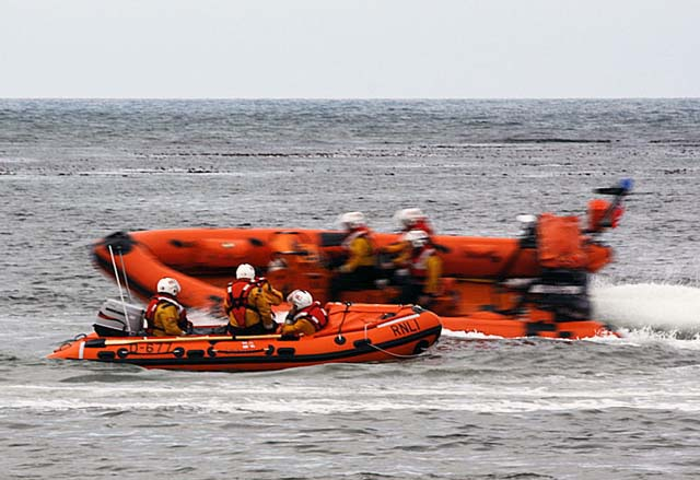 2618lifeboatexercise020609.jpg