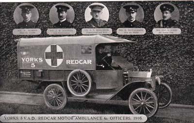 1775yorks5vadredcarmotorambulanceandofficers1916.jpg