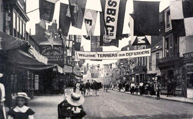 1734highstreetparade (2).jpg