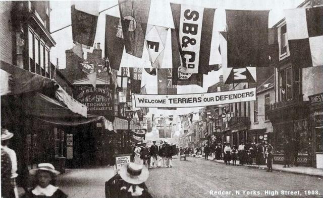 4000 High Street 1908 prior to parade.jpg
