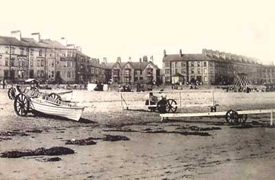 2863cobblesonbeachfoying1907.jpg