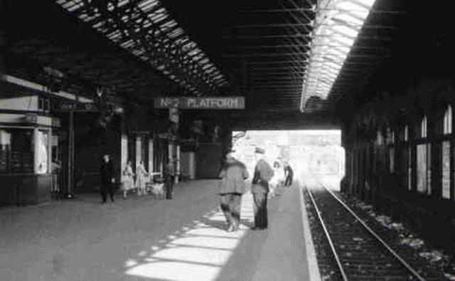 3702 Redcar to Saltburn Platform.jpg