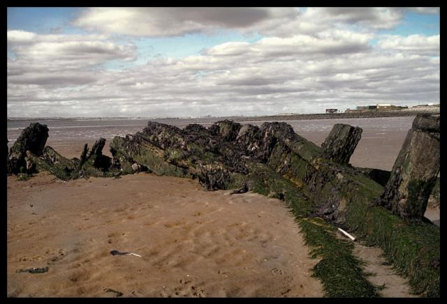 4006 Shipwreck Redcar Sands Coatham.jpg