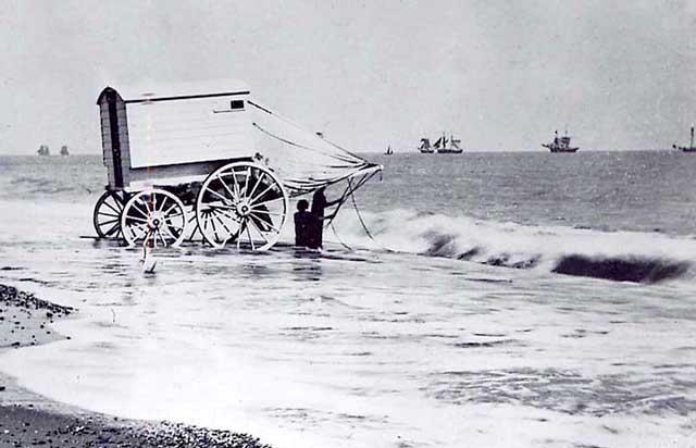 0902bathing hut1895.jpg