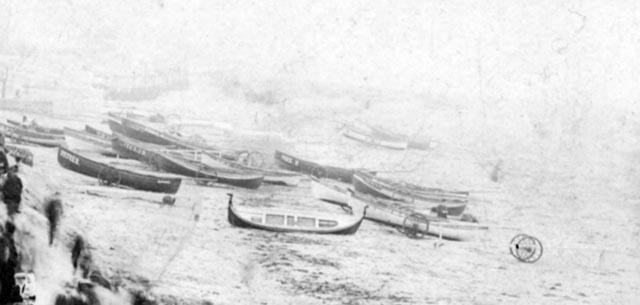 2538boatforegroungcirca1910.jpg