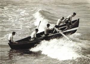 1815seagulls boat